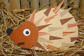 Transformer des pommes de pin en de jolis petits h rissons - Activite manuelle avec du papier ...